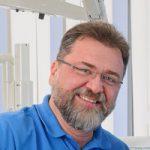 Zahnarzt Nürnberg und Implantologe - Mehrdad Taromi (MSc.)